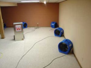 drying-flooded-carpet-pad-in-place
